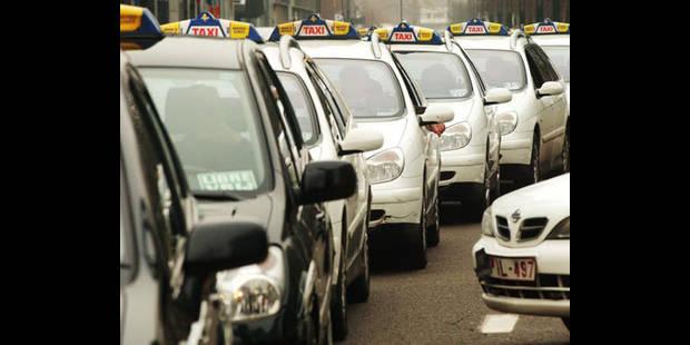 250 taxis bruxellois dans le centre-ville pour exprimer leur mécontentement - La DH