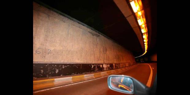 Un motard percute une voiture lors d'un évitement d'obstacle - La DH