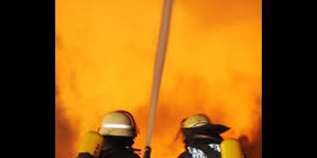 Une habitation détruite par le feu à Lessines - La DH