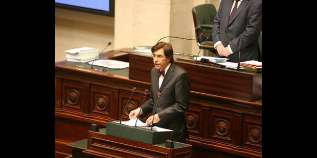 Di Rupo défend la réforme des pensions devant la Chambre - La DH