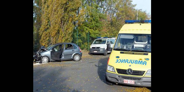 Trois blessés, dont un sérieusement, dans un accident de la route à Mouscron - La DH