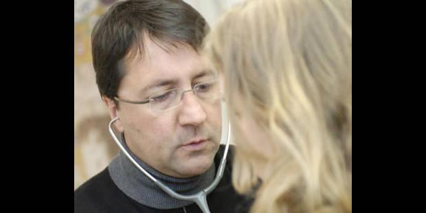 Les visites des généralistes à leurs patients diminuent - La DH