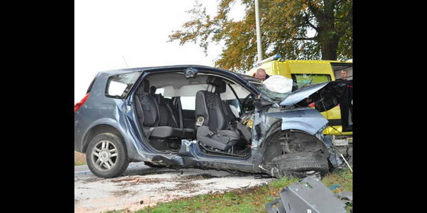 Cinq blessés, une fillette tuée - La DH