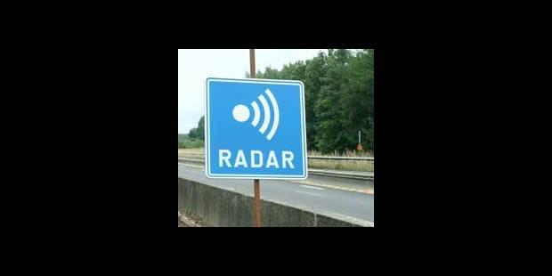 Des nouveaux panneaux pour avertir des radars en Wallonie - La DH