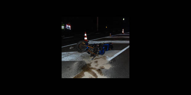 Un motard se tue devant son jumeau - La DH