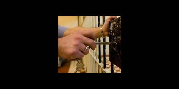 Un prof privé de cours en prison - La DH