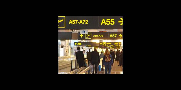 Grippe A/H1N1: Pas de procédures spécifiques dans les aéroports - La DH