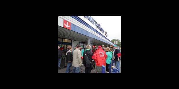 Le Setca invoque le droit de grève devant les Carrefour du BW - La DH