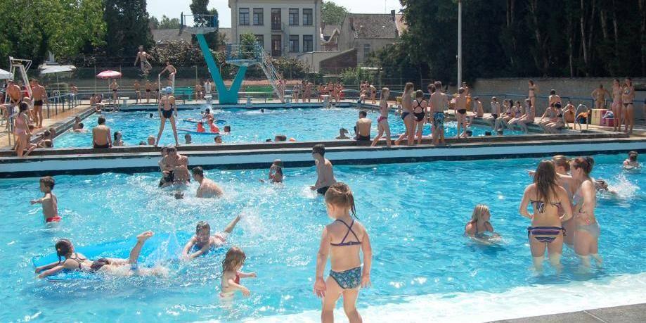 La piscine victime de l orage la dh for Piscine des dauphins mouscron