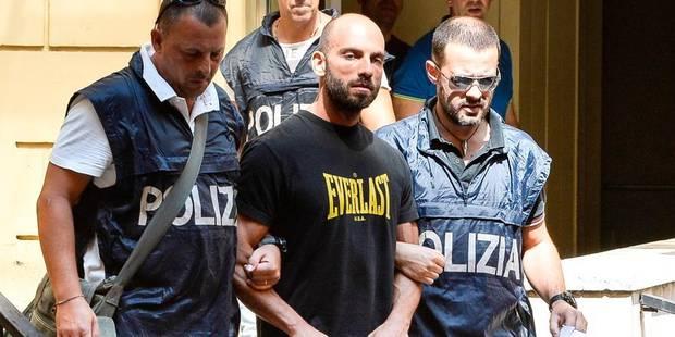 Un boss de la mafia napolitaine arrêté dans un bar... en pyjama - La DH