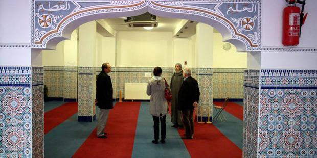 Mosquées vandalisées: les deux suspects libérés sous conditions - La DH