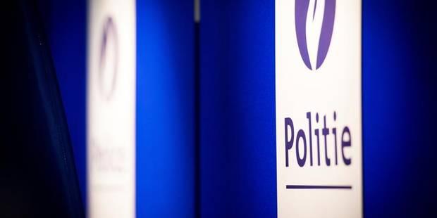 Deux policiers bruxellois inculpés pour traitement inhumain - La DH