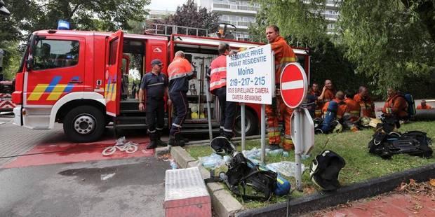Anderlecht: une octogénaire bloquée dans son véhicule en feu - La DH