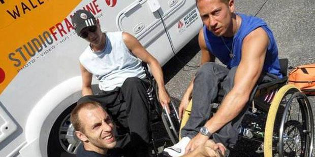 Documentaire sur la RTBF: Emmanuel Deroubaix au service de deux handicapés - La DH
