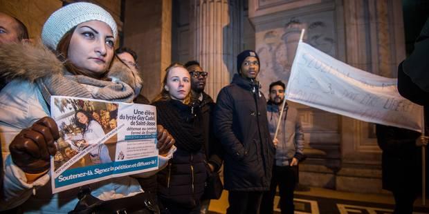 Szujana, la jeune sans-papiers, a été libérée - La DH