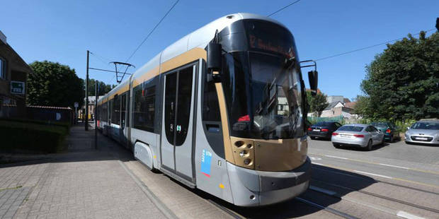 Molenbeek: un conducteur de tram blessé après avoir été agressé par un passager - La DH