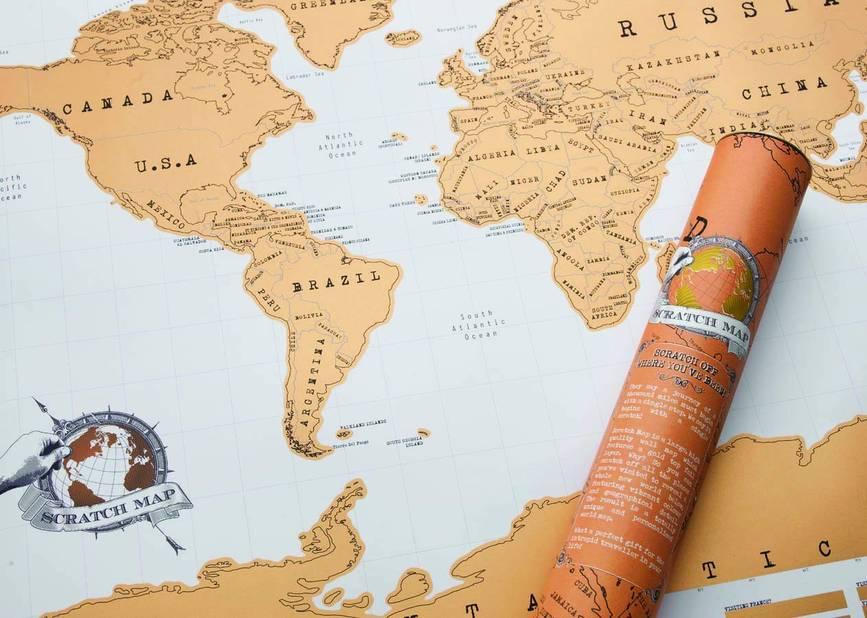 Pour les globe-trotter. Carte du monde à gratter. Amazon, environ 20€