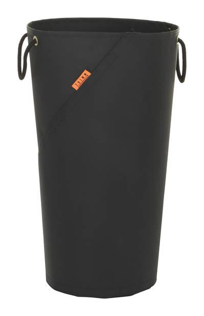 Un beau panier à linge hyper design signé par une marque de Copenhague qui monte qui monte, TRIMM. 74€ (www.lulu-store.eu et trimmcopenhagen.com)