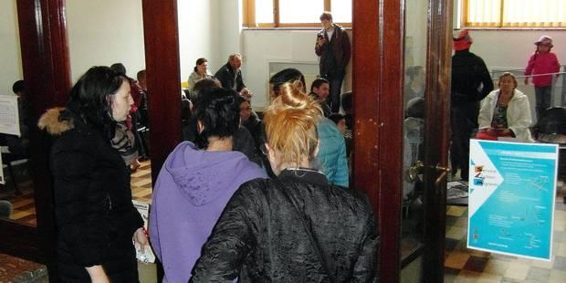 État civil à Charleroi: chaos total aux guichets - La DH