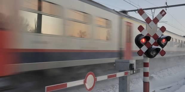 Collision entre un train de voyageurs et une grue de chantier - La DH