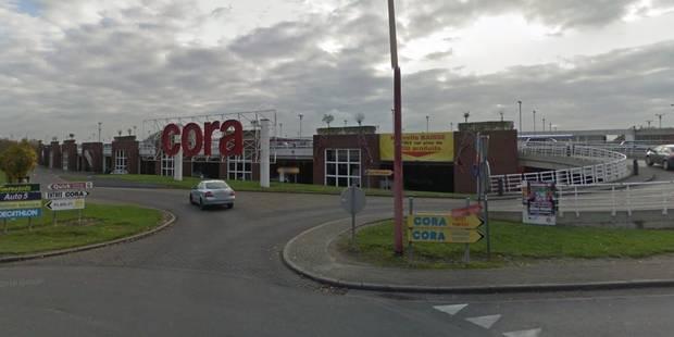 Evacuation du Cora de Châtelineau: colis suspect neutralisé - La DH