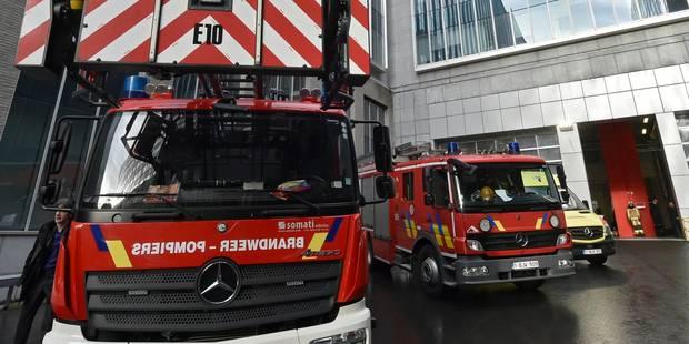 Nouvel An à Bruxelles: Des pompiers caillassés et des voitures incendiées - La DH