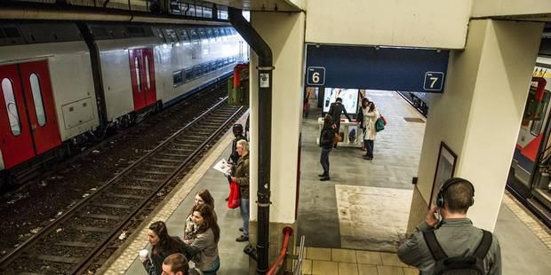 La gare de Namur évacuée en raison d'un colis suspect: la circulation des trains a pu reprendre - La DH