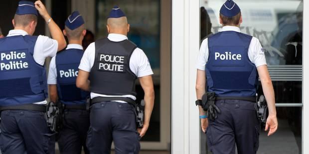Bruxelles: une bande de trafiquants de drogue démantelée, 220 kilos de haschich et 50.000 euros cash saisis - La DH