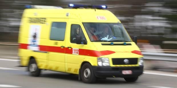 Le chauffeur d'un poids lourd désincarcéré par les pompiers de Soignies - La DH