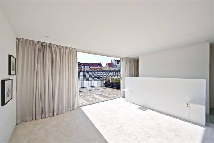 galerie de photos en images la maison de julie taton. Black Bedroom Furniture Sets. Home Design Ideas