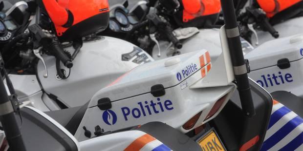 Un motard de la police blessé en poursuivant une voiture à Bruxelles - La DH