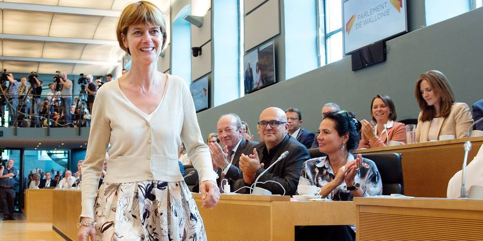 """Valérie De Bue: """"Augmenter le loyer des logements sociaux et diminuer les charges"""", le Groupe - La DH"""