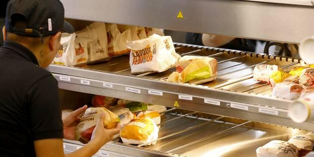 Une ligne de bus spéciale Burger King pour l'ouverture du fast food à Auderghem (Photos)