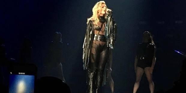 En plein concert, Lady Gaga vient en aide à une fan blessée (VIDEO) - La DH