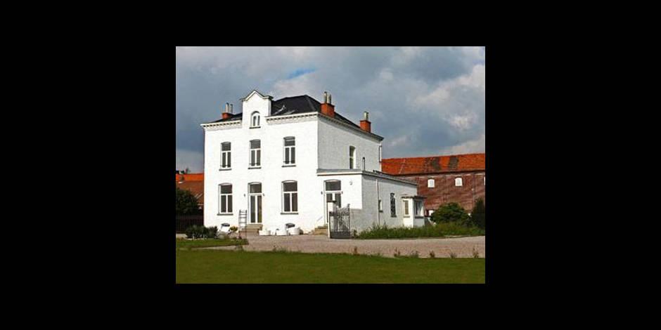 Depardieu a racheté la Villa White Cloud à Néchin