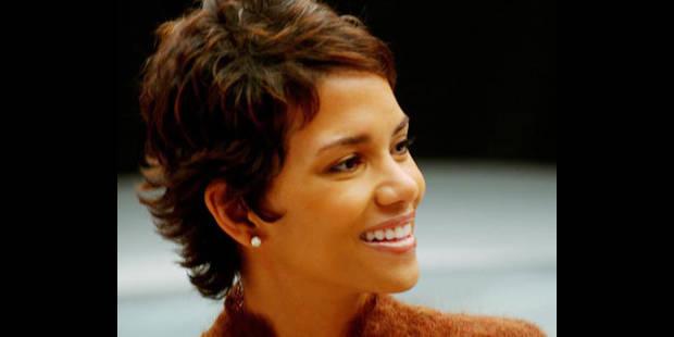 Halle Berry : elle retient bien les gros mots en français