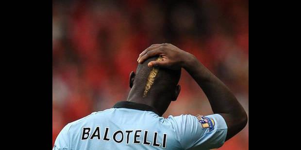 Balotelli sera opéré des yeux, mais absent moins d'un mois - La DH