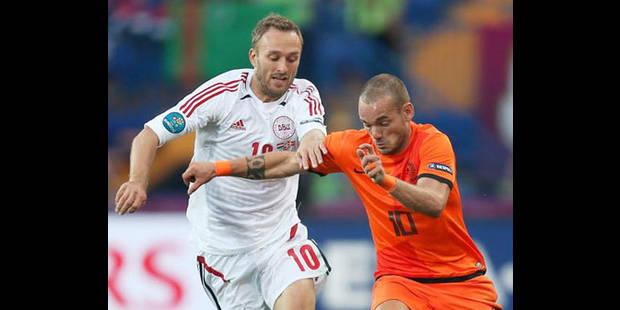 Wesley Sneijder blessé au genou - La DH