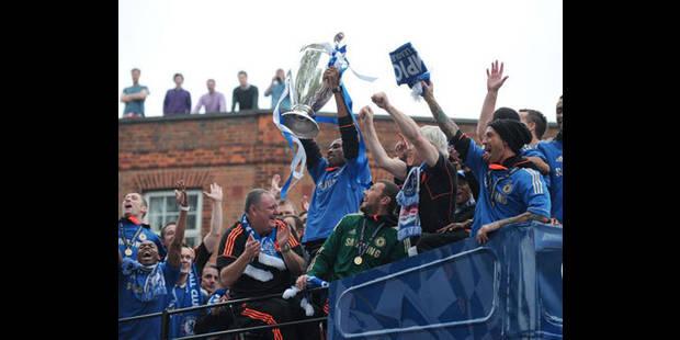 Retour triomphal des joueurs de Chelsea à Londres - La DH
