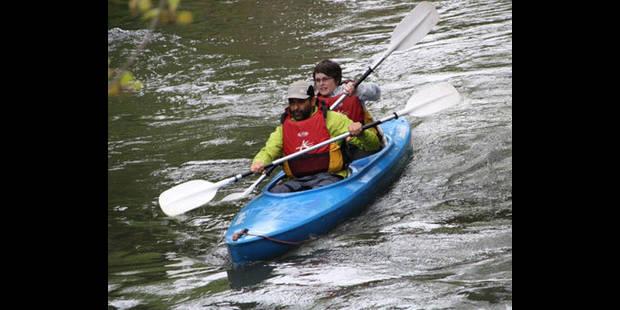 Sous le quai aux huîtres, en kayak - La DH