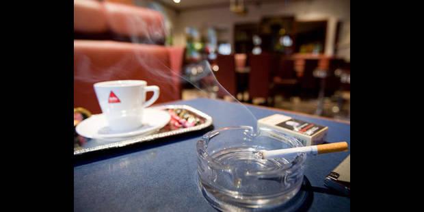 1.100 cafés en moins depuis l'interdiction de fumer - La DH
