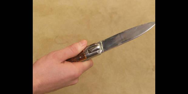 Un jeune Waremmien grièvement blessé au couteau - La DH