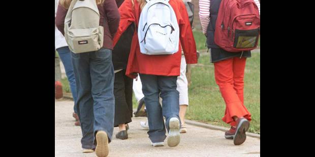 Accès interdit  aux cours d'écoles - La DH
