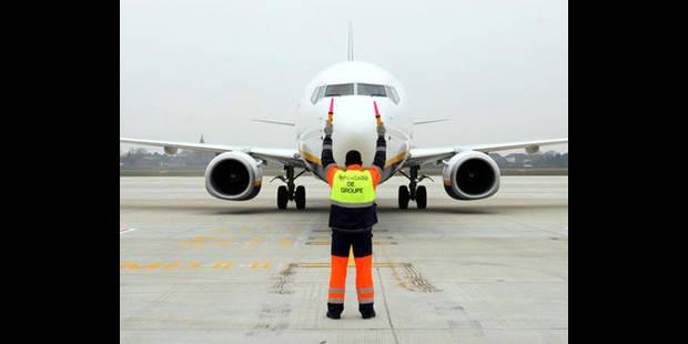 Ryanair: les tests anti-drogues par prélèvement de mèches de cheveux font débat