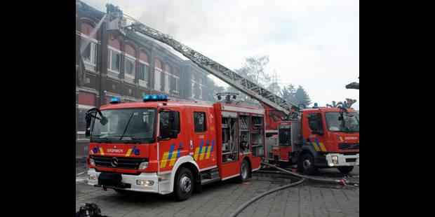 Trois maisons détruites dans un incendie à Clavier - La DH