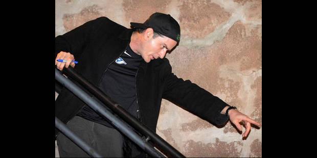 Charlie Sheen veut porter son contentieux avec Warner sur la place publique - La DH