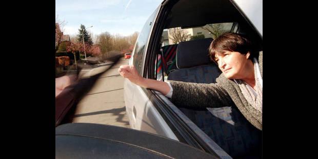 alors qu 39 elle croyait revendre sa voiture elle se fait car jacker dans le tournaisis. Black Bedroom Furniture Sets. Home Design Ideas