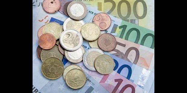 Les Belges privés de 932 euros par mois