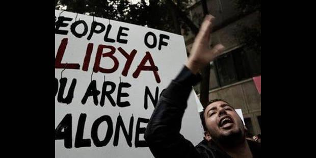 Kadhafi aurait quitt� la Libye avec sa famille !