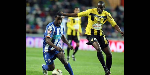Kanu signe au Standard jusqu'en 2013 - La DH